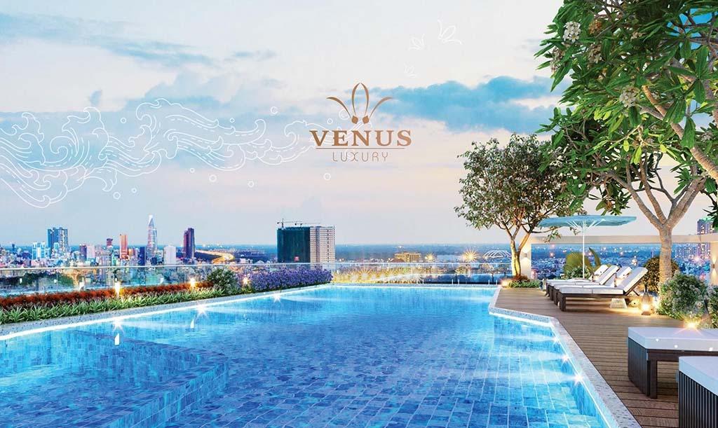 Hồ bơi tầng thượng Venus Luxury Quận 5